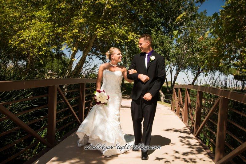 Wedding dress rentals las vegas strip cheap wedding dresses for Rental wedding dresses las vegas