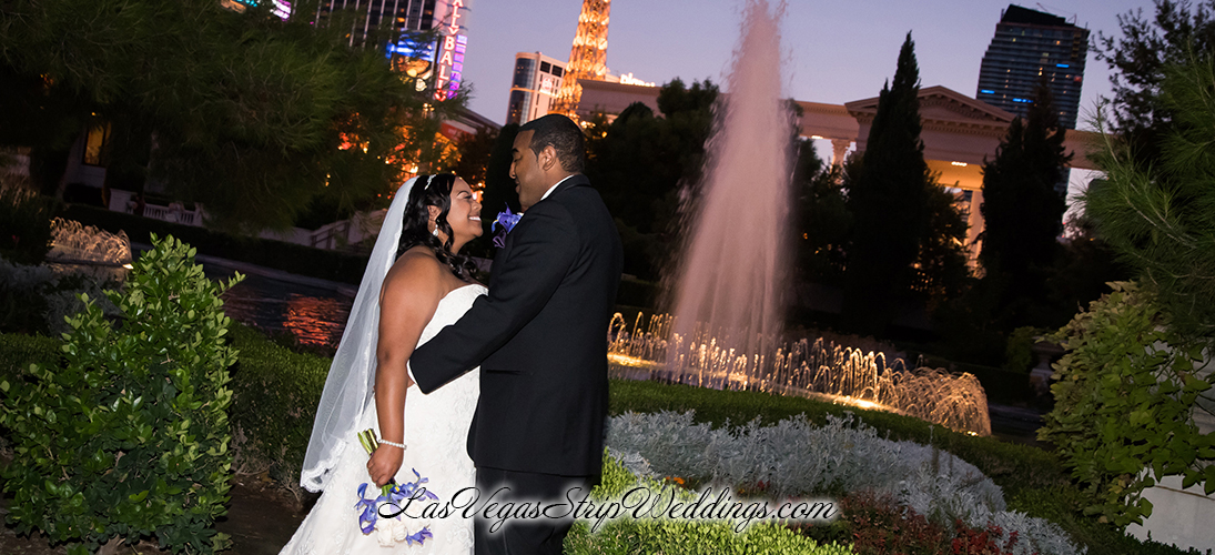 Las vegas wedding packages with strip outdoor and valley for Las vegas wedding online